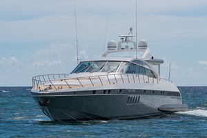 80' Mangusta  2007 Port Bow Profile