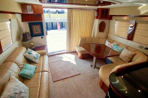 56' Carver 560 Voyager 2006 Main Salon