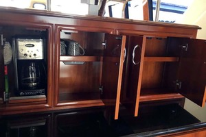 56' Carver 560 Voyager 2006 Galley Storage