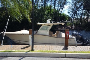 30' Scout 300 Lxf 2015 2015 Scout 300LXF At Dock
