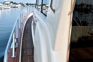 54' Apreamare Express Cruiser 2005 Port Side Deck