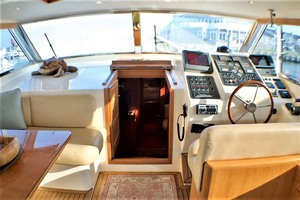54' Apreamare Express Cruiser 2005 Helmdeck