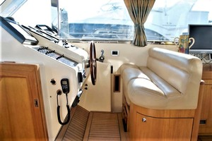 54' Apreamare Express Cruiser 2005 Helm Area