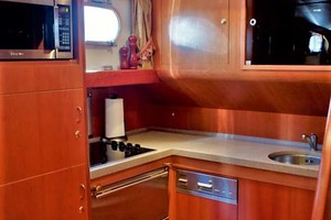 54' Apreamare Express Cruiser 2005 Galley