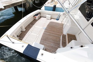 55' Viking 55 Convertible 2004