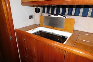 50' Sunseeker Camargue Hard Top with Sunroof 2002 Glass Cooktop Stove