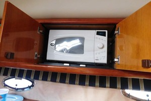 50' Sunseeker Camargue Hard Top with Sunroof 2002 Microwave