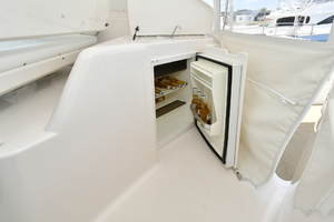 44' Tiara Sovran 2005 Cockpit Wet Bar with Refrigerator
