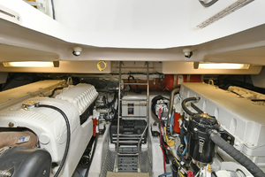 44' Tiara Sovran 2005 Engine Room