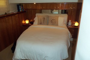 60' Neptunus Flybridge Motoryacht 1999 VIP looking Aft