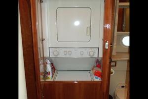 60' Neptunus Flybridge Motoryacht 1999 Laundry