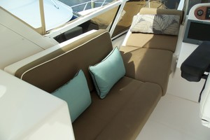 60' Neptunus Flybridge Motoryacht 1999 Flybridge Lounge