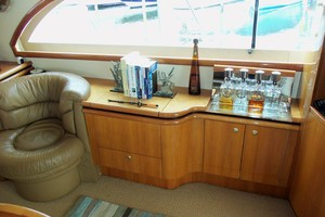 60' Neptunus Flybridge Motoryacht 1999 Salon to Starboard