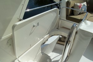 60' Neptunus Flybridge Motoryacht 1999 Flybridge Access Hatch
