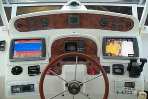 55' Neptunus Sedan Cruiser - 3 SR, TNT Lift 1999 Helm