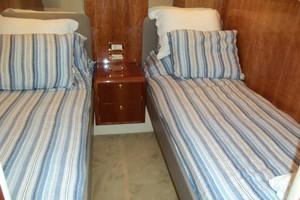 55' Neptunus Sedan Cruiser - 3 SR, TNT Lift 1999 Port Guest Cabin Looking Aft