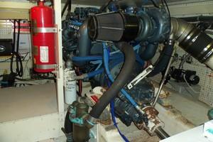 55' Neptunus Sedan Cruiser - 3 SR, TNT Lift 1999 Starboard Engine