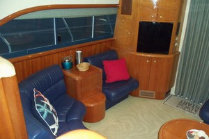 55' Neptunus Sedan Cruiser - 3 SR, TNT Lift 1999 Salon Starboard Side Aft
