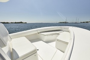 32 REGULATOR is a Regulator Center Console Yacht For Sale in Fort Lauderdale--8