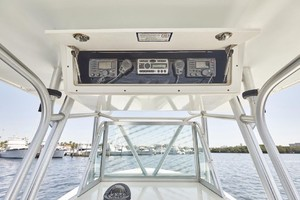 32 REGULATOR is a Regulator Center Console Yacht For Sale in Fort Lauderdale--12