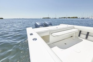 32 REGULATOR is a Regulator Center Console Yacht For Sale in Fort Lauderdale--13