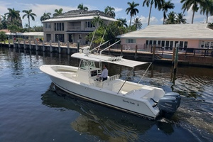 32 REGULATOR is a Regulator Center Console Yacht For Sale in Fort Lauderdale--6