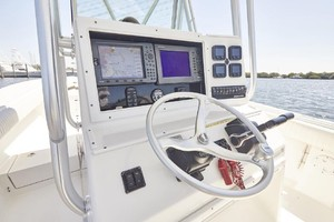 32 REGULATOR is a Regulator Center Console Yacht For Sale in Fort Lauderdale--10