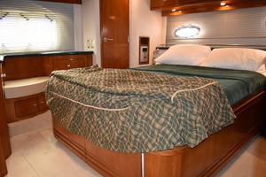 50' Carver 506 Motor Yacht 2001 Master Stateroom
