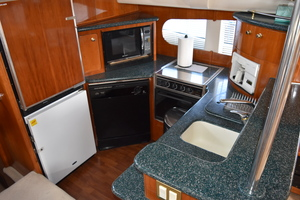 50' Carver 506 Motor Yacht 2001 Galley