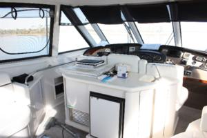 50' Carver 506 Motor Yacht 2001 Wet Bar & Refrigerator