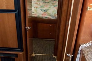 photo of Meridian-459-Motoryacht-2006-Totally-Outta-Control-Long-Island-New-York-United-States-Hallway-to-Guest-Stateroom-1068673