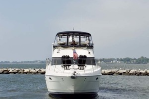 45' Meridian 459 Motoryacht 2006 Bow