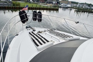 45' Meridian 459 Motoryacht 2006 Foredeck Port
