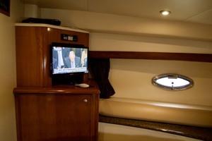 45' Meridian 459 Motoryacht 2006 Guest TV