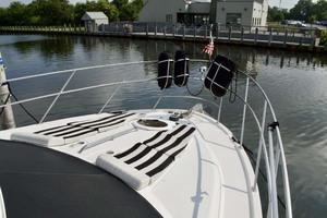 45' Meridian 459 Motoryacht 2006 Foredeck STbd