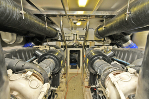 84' Princess 84 Flybridge  2006 Engine Room