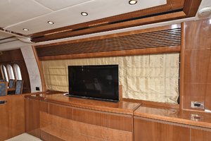 84' Princess 84 Flybridge  2006 Salon - Flatscreen TV on Electric Lift