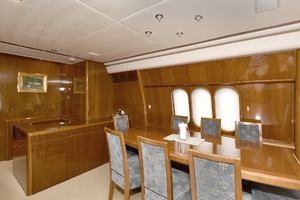 84' Princess 84 Flybridge  2006 Dining Table