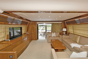 84' Princess 84 Flybridge  2006 Salon