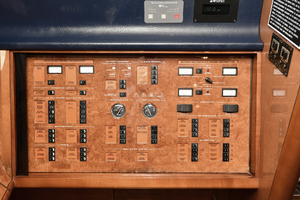 84' Princess 84 Flybridge  2006 Control Panel