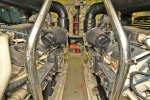 Princess-84-Flybridge-2006-Impromptu-II-Center-Island-New-York-United-States-Engine-Room--1068814-thumb