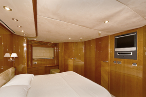 84' Princess 84 Flybridge  2006 Master Stateroom - Aft View