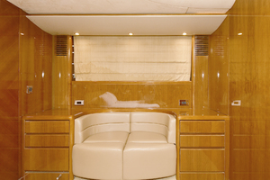 84' Princess 84 Flybridge  2006 VIP Settee