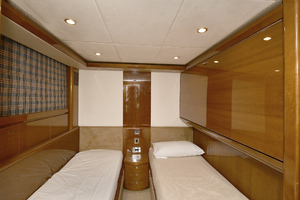 Princess-84-Flybridge-2006-Impromptu-II-Center-Island-New-York-United-States-Guest-Stateroom--Starboard-Side-1068796-thumb
