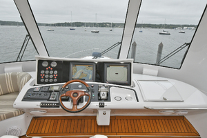 Princess-84-Flybridge-2006-Impromptu-II-Center-Island-New-York-United-States-Helm-Station--1068762-thumb