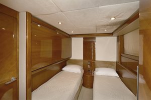 Princess-84-Flybridge-2006-Impromptu-II-Center-Island-New-York-United-States-Guest-Stateroom--Port-Side-1068794-thumb