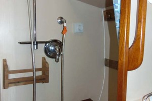 40' Nauticat 40 1985 Master Shower