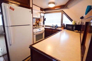 60' Hatteras 60 Flybridge 1979 Galley