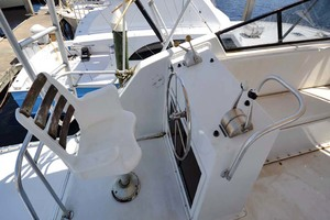 60' Hatteras 60 Flybridge 1979 Aft Controls