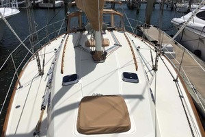 40' Sabre 402 2001 Deck View